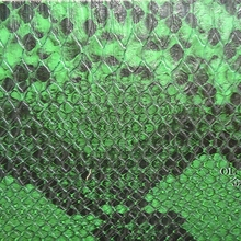 蛇纹PU人造革,亚光高仿真蛇纹、蛇纹贴膜压纹PU皮料皮革合成